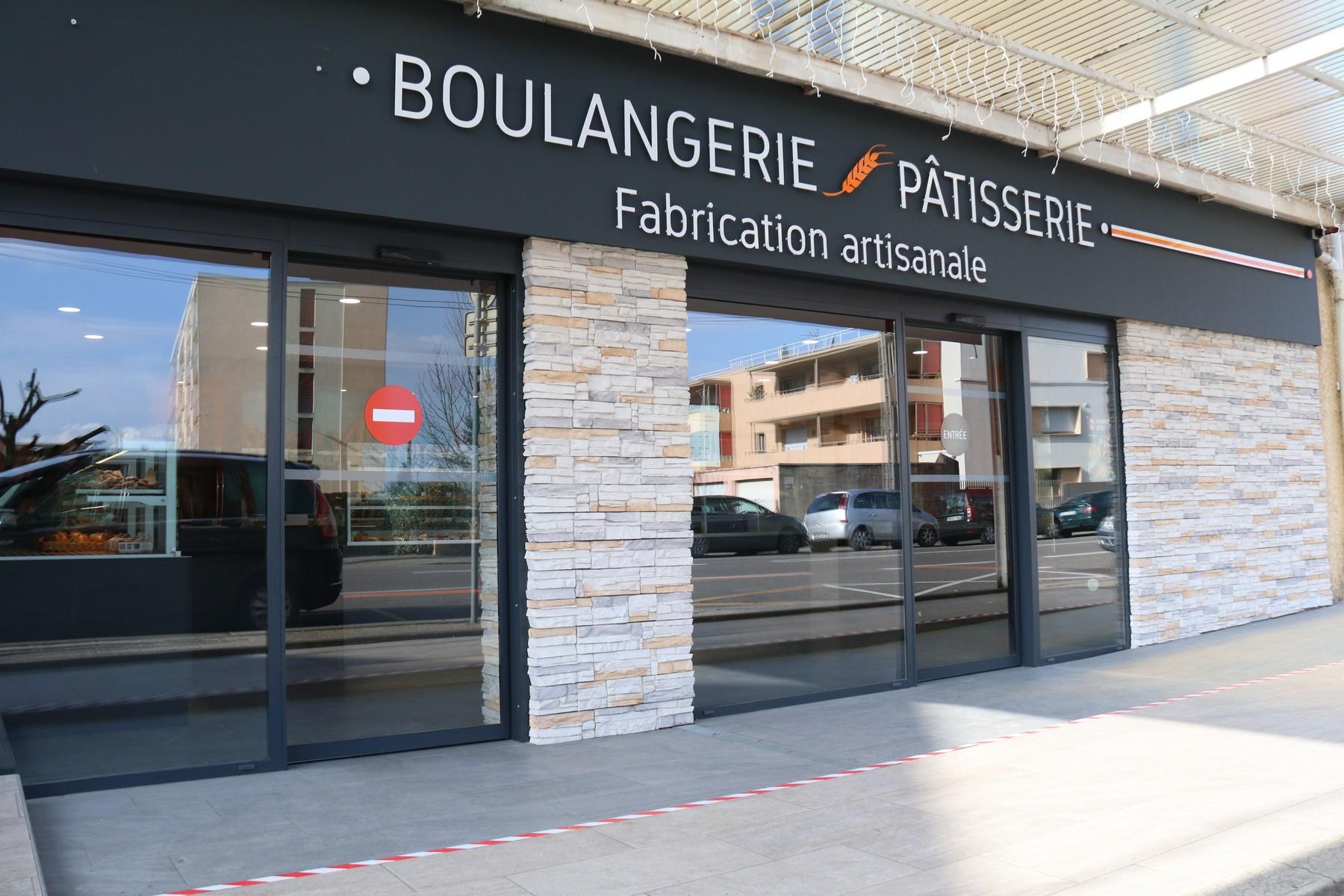 Le Régal Bressan est une société composé de deux boulangeries-pâtisseries artisanales. Une située à Bourg-en-Bresse et l'autre à Saint-Denis-lès-Bourg.